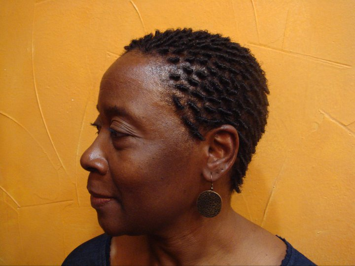 comb coils  on short natural hair